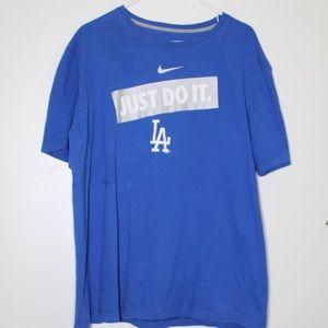 ☀️ Nike LA Dodgers graphic tee
